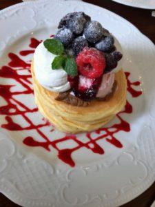 カフェアンジェ ミックスベリーパンケーキ